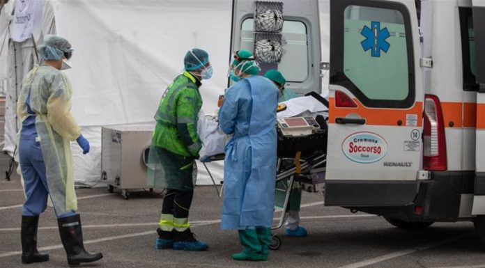Italy reports nearly 800 coronavirus deaths in largest daily rise