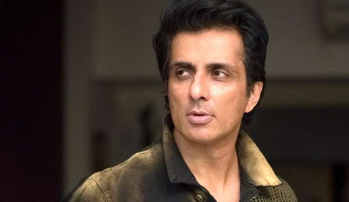 Fan tells Sonu Sood he's stuck at home and needs help to visit liquor shop, actor's reply leaves Twitter laughing